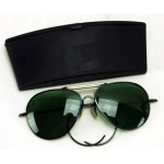 World War II style aviator sunglasses